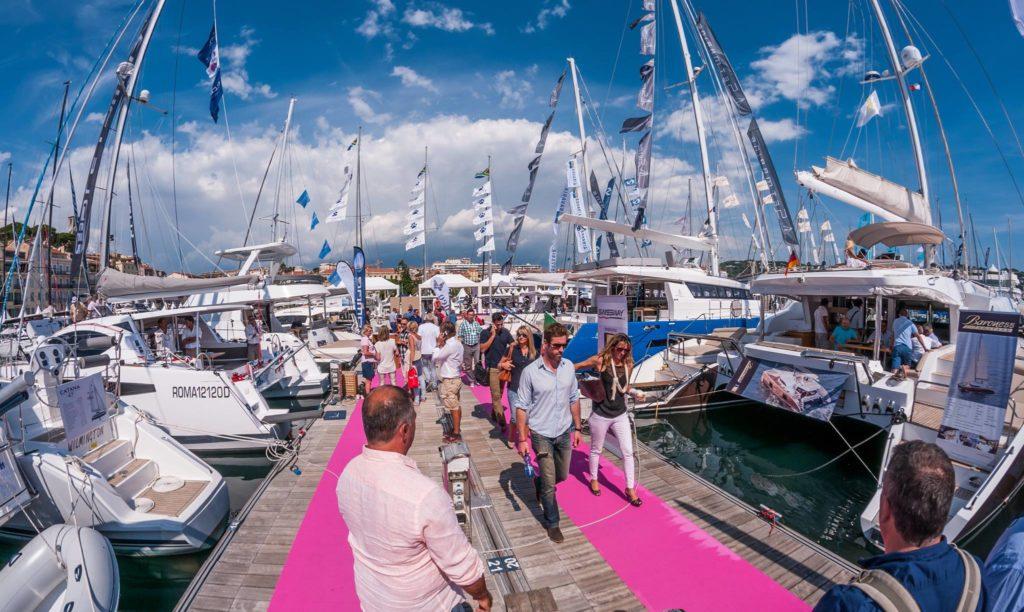 Осень в Каннах: выставка яхт